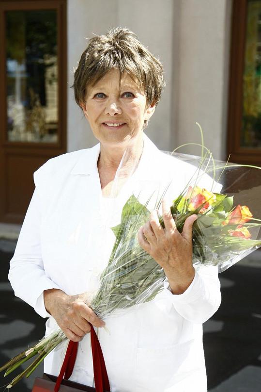 Zdena Hadrbolcová dnes slaví 75. narozeniny.