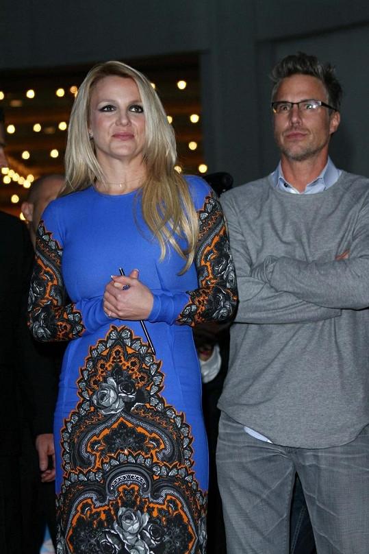 Britney doprovodil snoubenec Jason Trawick.