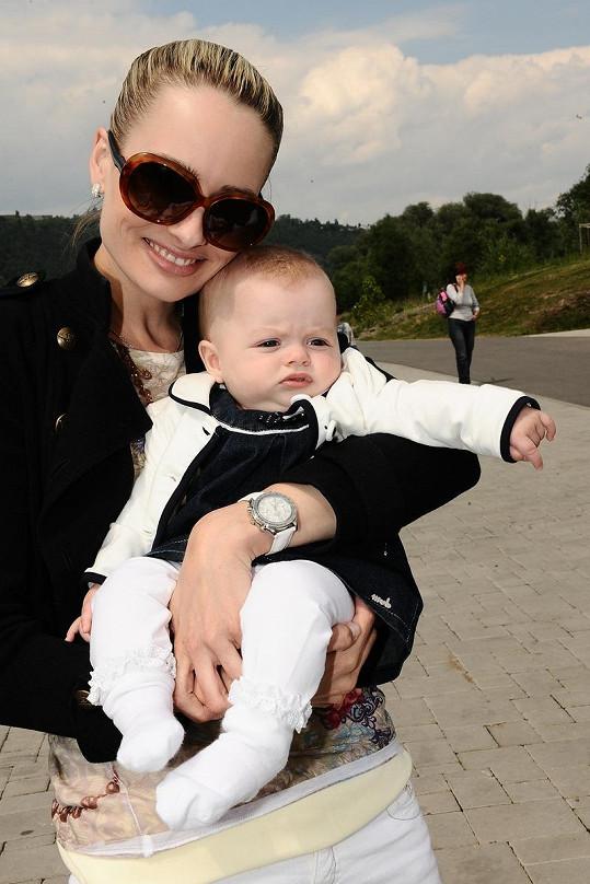 Markéta Divišová poprvé vzala čtyřměsíční miminko do společnosti
