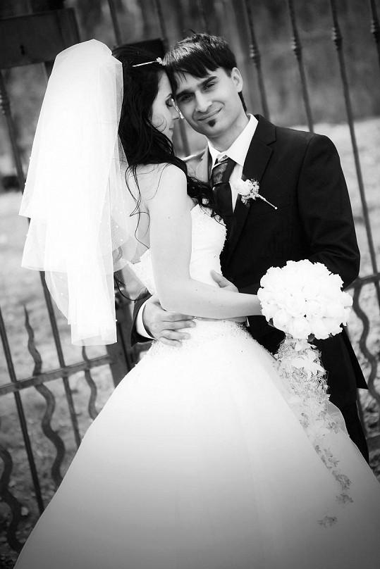 Radek Banga si vzal o osm let mladší studentku.