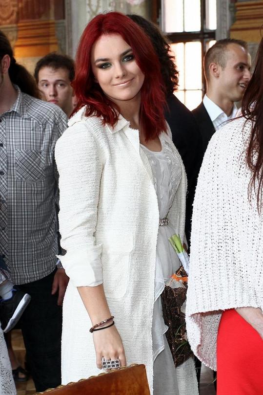 Mezi svatebčany nemohla chybět Ewa Farna, v jejíž kapele hraje Lukáš na bicí.