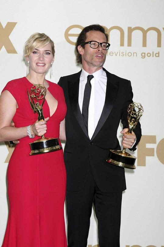 Kate Winslet jako nejlepší herečka a Guy Pearce jako nejlepší herec.