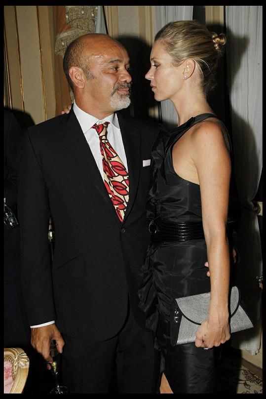 Moss a Louboutin v hotelu Ritz.