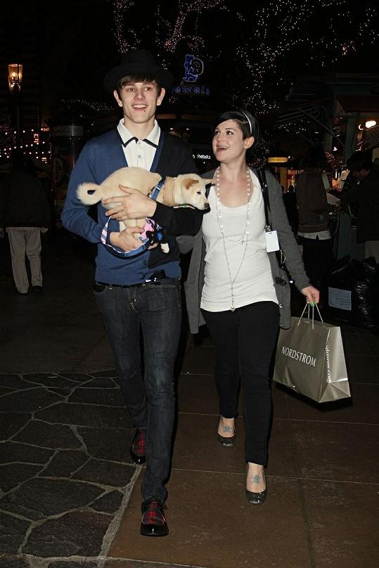 Šťastný pár: Takhle se k sobě Kelly Osbourne a Luke Worrall měli před rozchodem.