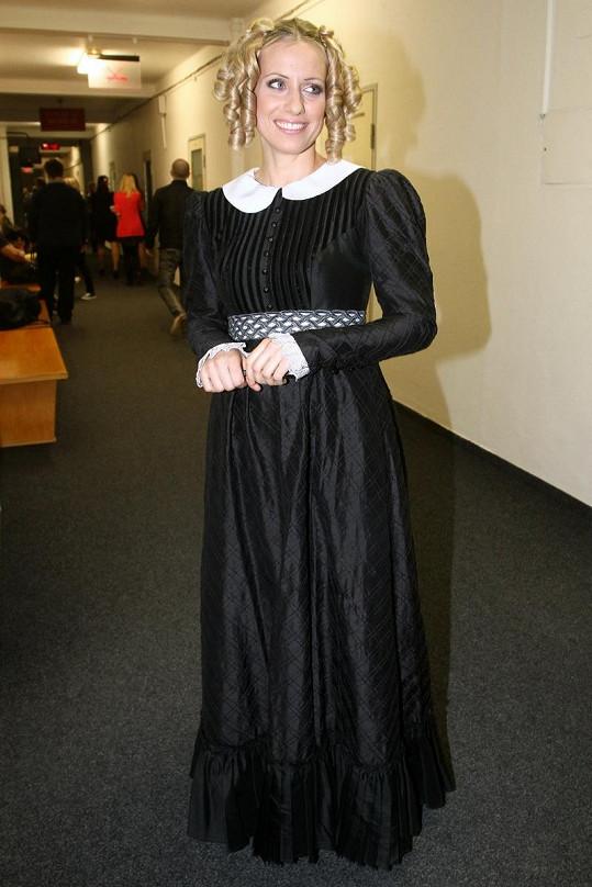 Tereza Mátlová jako by vystoupila z románu Jana Eyrová.