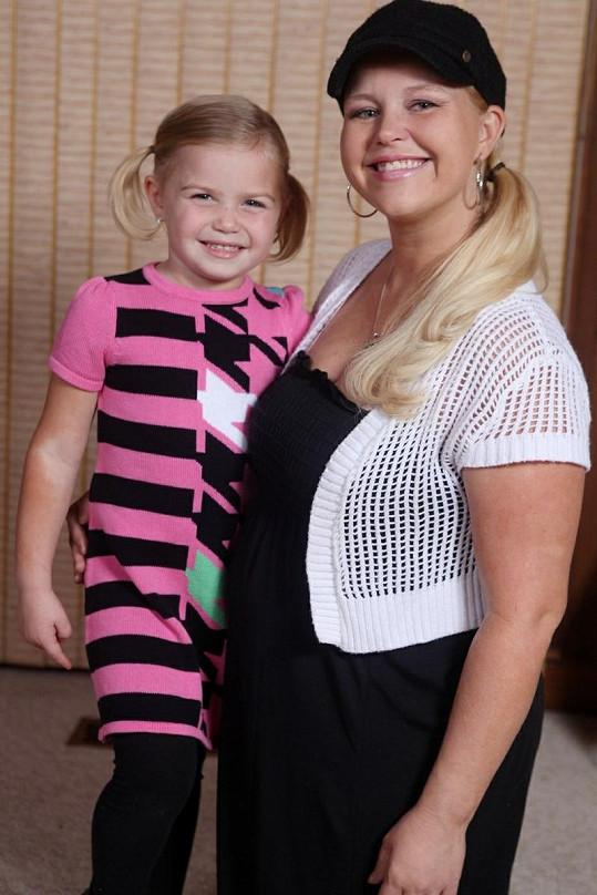 Maddy Jackson se svou matkou Lindsay.