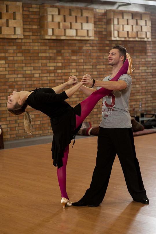 Bára Poláková našla v tanci zalíbení okamžitě.