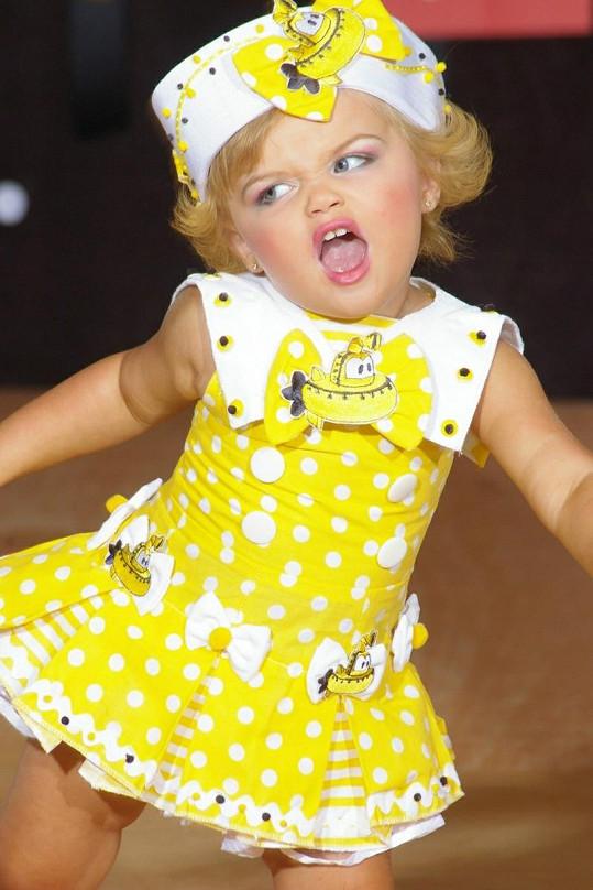 Malá Maddy má již nacvičeno několik vystoupení.