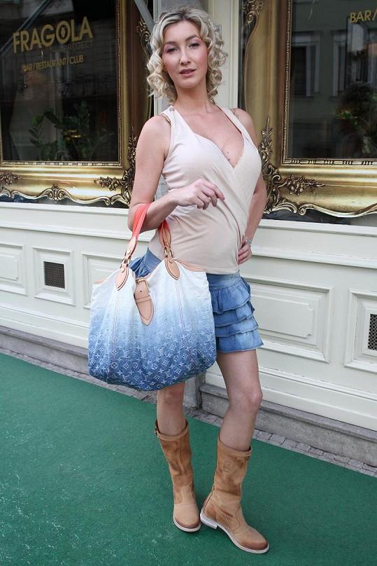 Dominika Mesarošová ve vlastním oblečení.