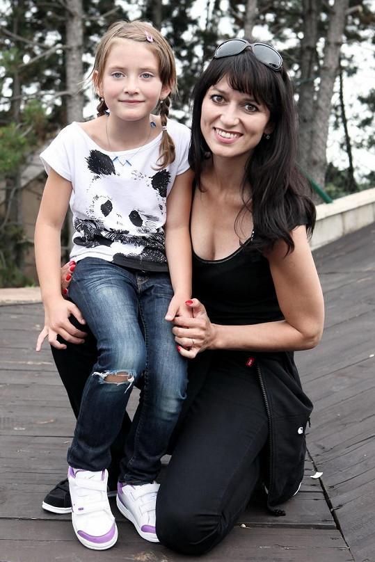 Adéla Gondíková s dcerou Nelou.