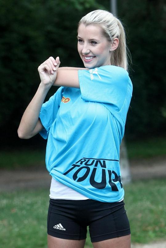 Miss Liberec Open Andrea Kolářová se připravuje na trénink.