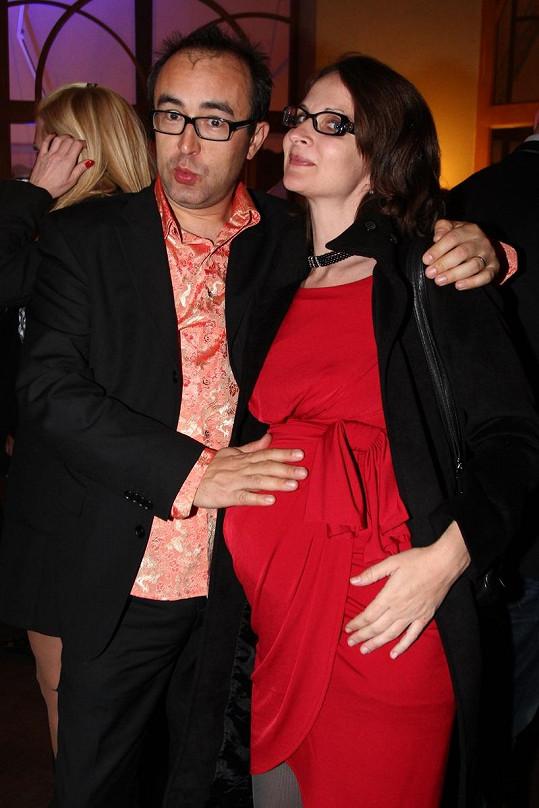 Marian Čurko s těhotnou manželkou Kateřinou na TýTý.
