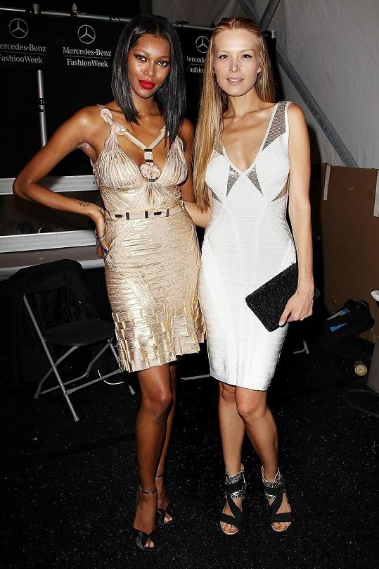 Vedle modelky Jessicy White Petra působila nezdravě.