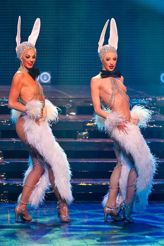 Odvážné představení kabaretu Lido.