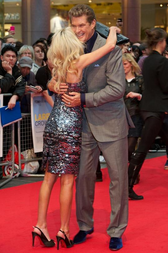 David Hasselhoff a Hayley Roberts se mají opravdu rádi.