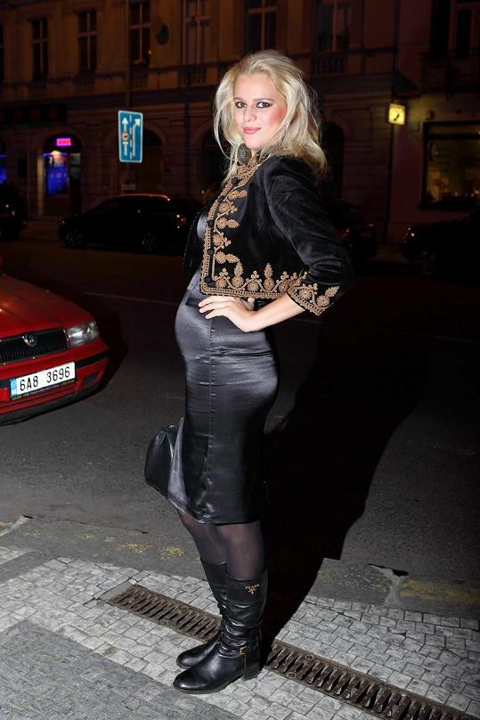 Těhotná Ornella Štiková.