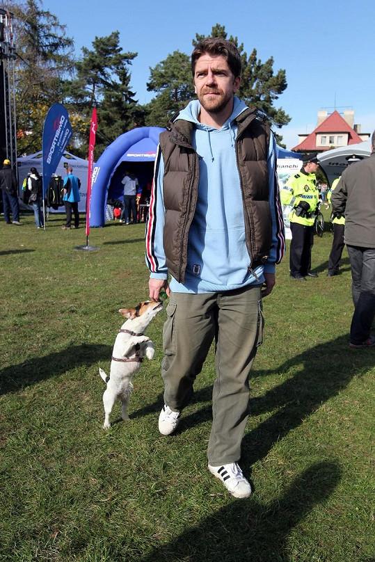 Viktor Limr se svými psem Hůlkou.