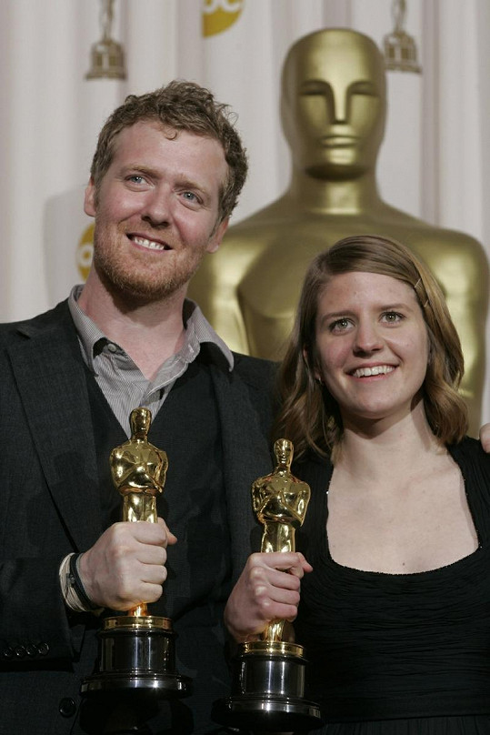 Markéta Irglová a Glen Hansard poté, co v roce 2008 získali Oscara.