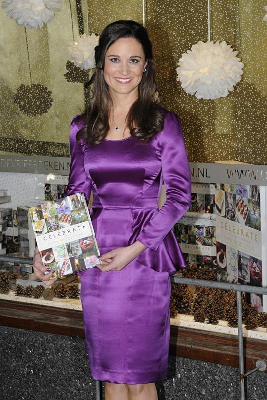 Pippa Middleton se svou knihou s názvem Celebrate.