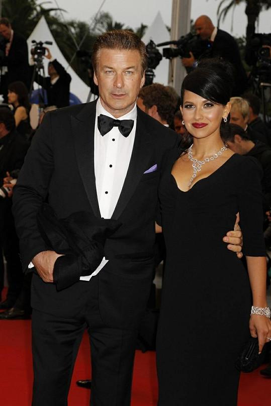Alec Baldwin a Hilaria Thomas jsou již manželé.