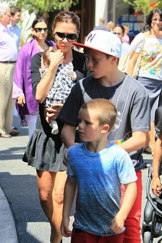 Victoria Beckham s dcerkou a syny.