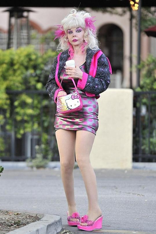 Záhada Hollywoodu uznává jen růžovou barvu.
