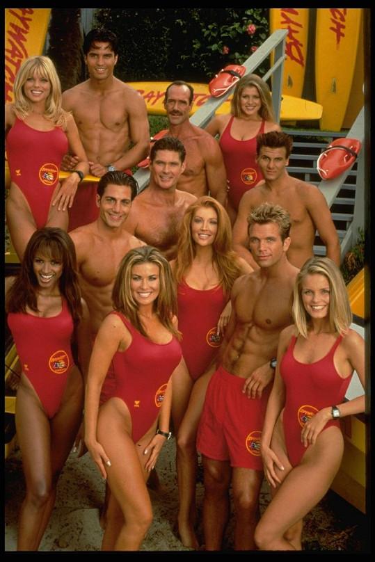 Sestava herců z Pobřežní hlídky hrajících v seriálu v letech 1997 - 1999.