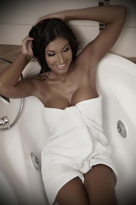 Julie ve vaně.