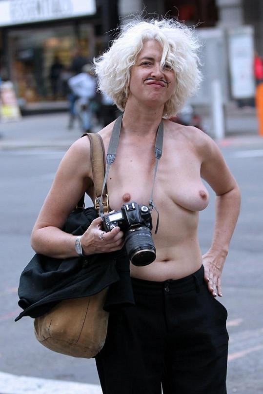 Holly Van Voast je propagátorkou nudismu.