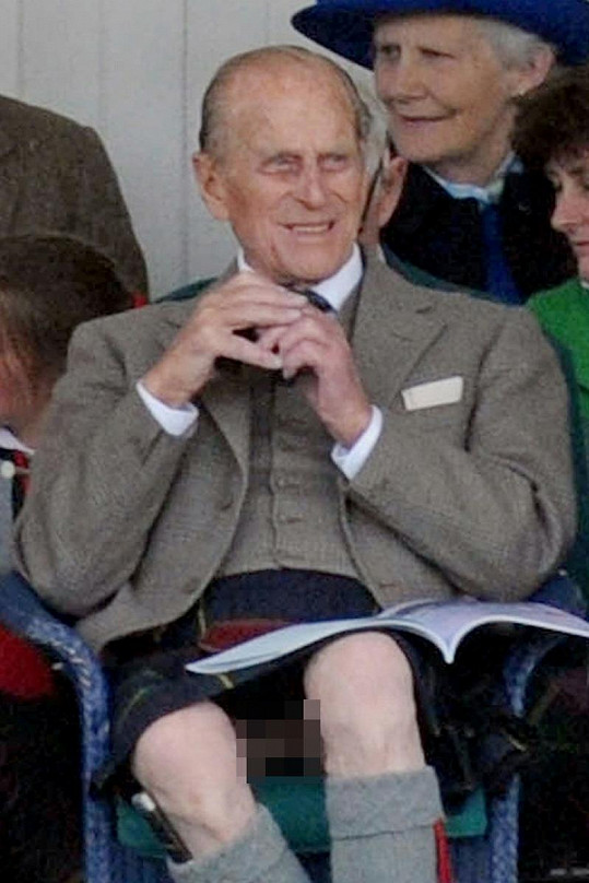 Princ Philip si nehlídat kilt.