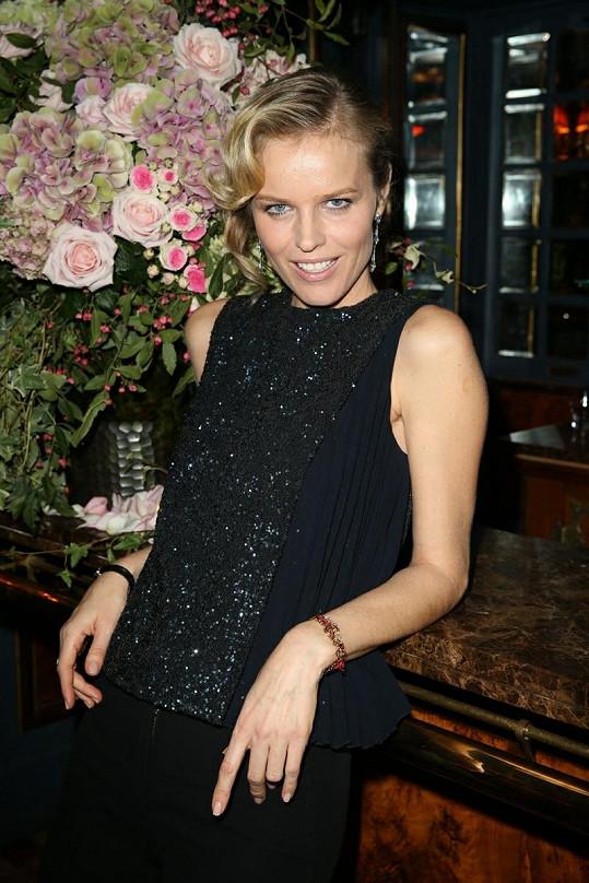 Eva Herzigová v restauraci Laperouse.