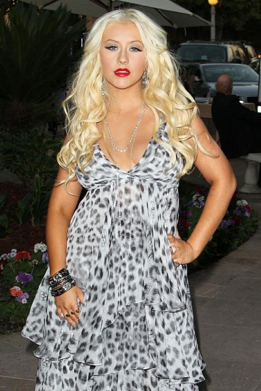 Aguilera si z přebytečných kilogramů nic nedělá.
