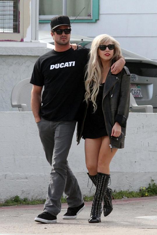 Gaga s Taylorem Kinneym.