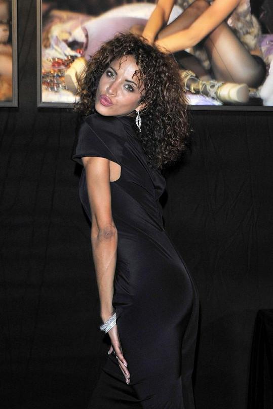 Údajná rapperova milenka Noémi Lenoir.