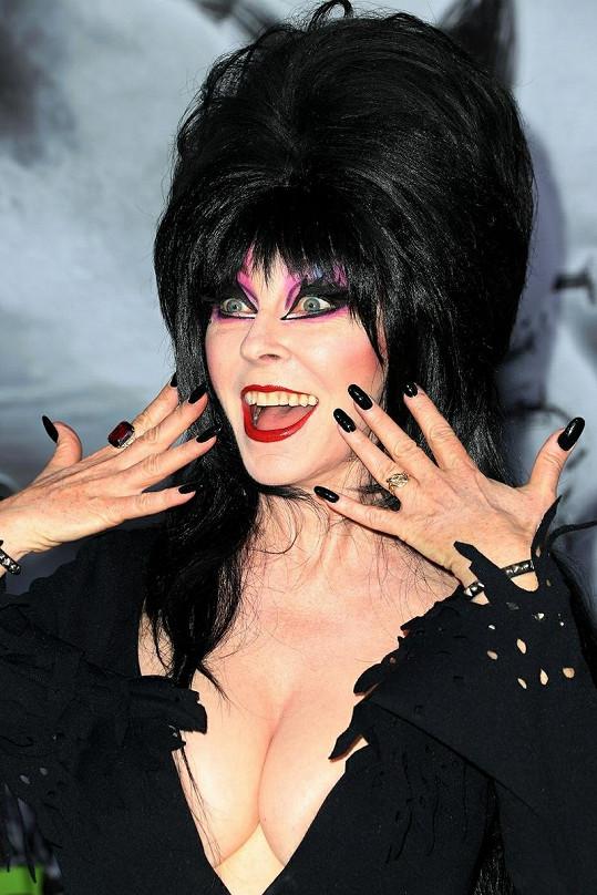 Cassandra Peterson na premiéře filmu Frankenweenie.