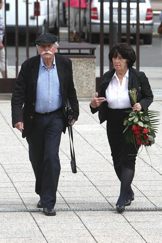 Na pohřeb dorazil i výtvarník Adolf Born