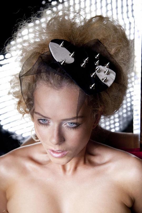 Veronika Machová nafotila kampaň pro návrhářku Libku Safr.