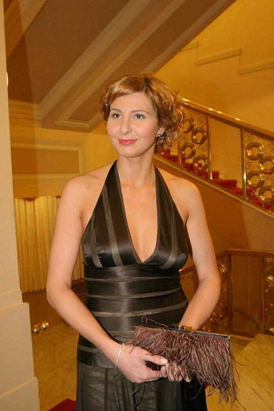 Ivana Gottová, jak ji dnes už neznáte: s krátkými vlasy.