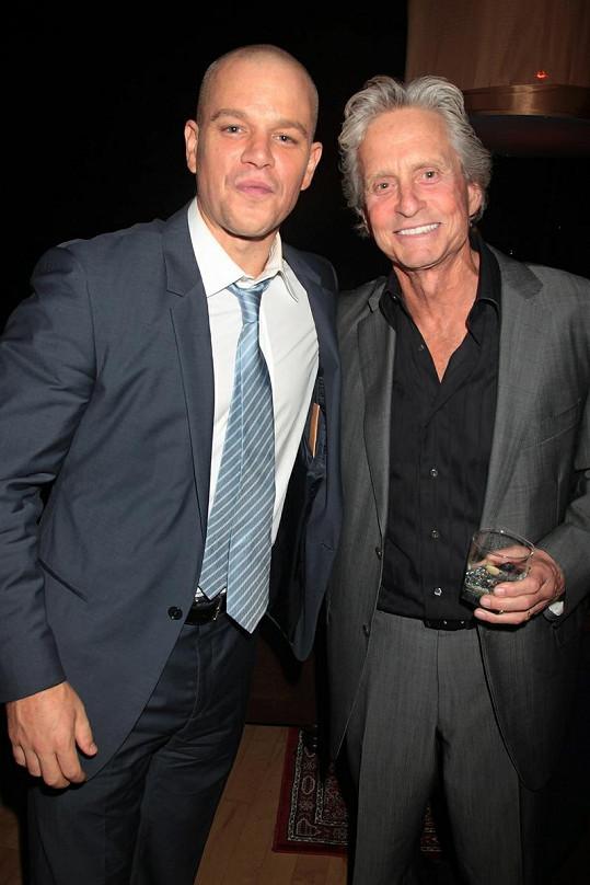 Matt Damon a Michael Douglas.