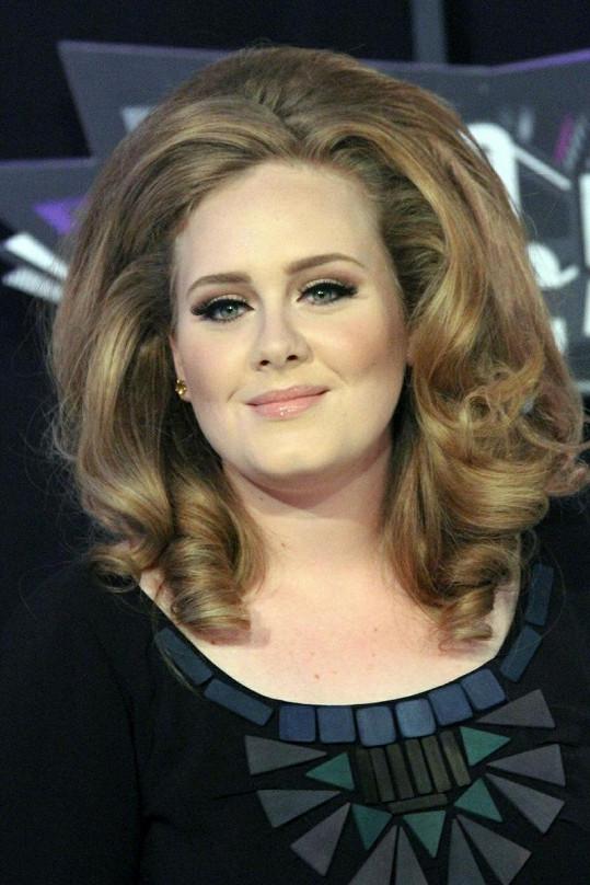 Adele je jednou z nejoblíbenějších zpěvaček současnosti.