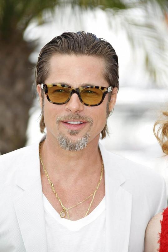 Takhle Brad vypadal ještě před týdnem v Cannes.