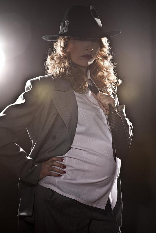 """Tereza Bebarová nafotila sérii """"těhotenských"""" fotografií."""