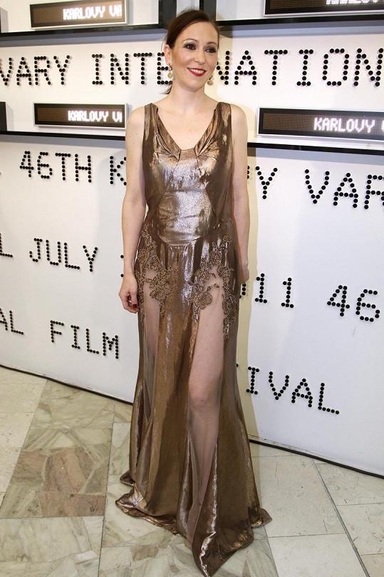Zuzana Stivínová v luxusních šatech Dior.