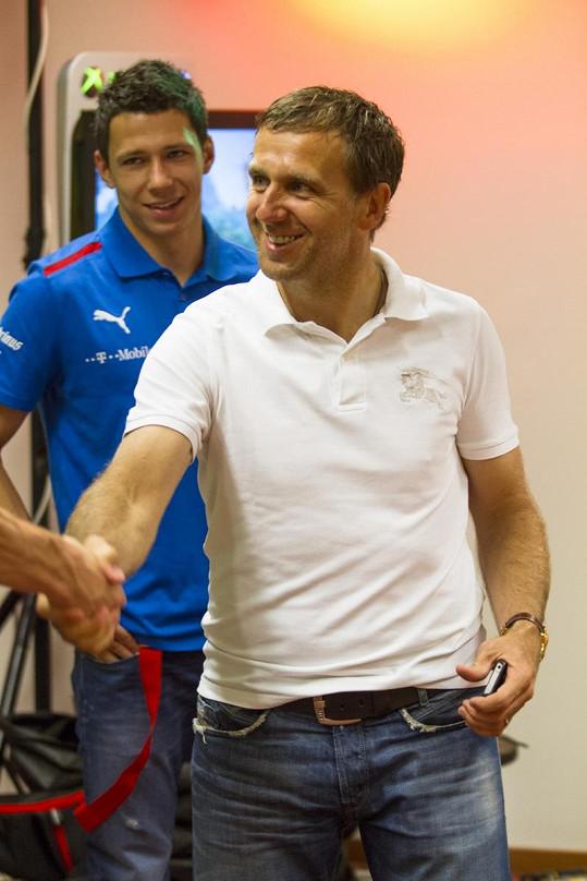 Bývalý profesionál Poborský se svlékl jako první.