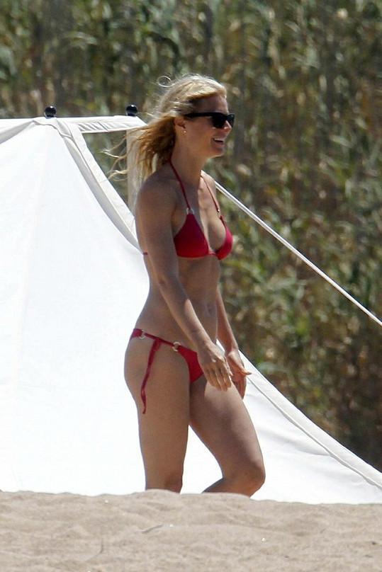 Gwyneth Paltrow na jachtě Stevena Spielbergera.