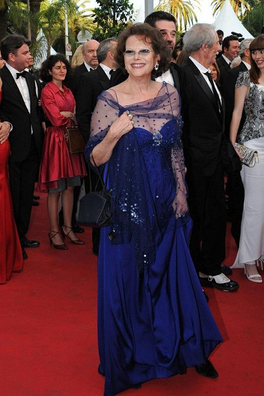 Claudia Cardinale v Cannes.