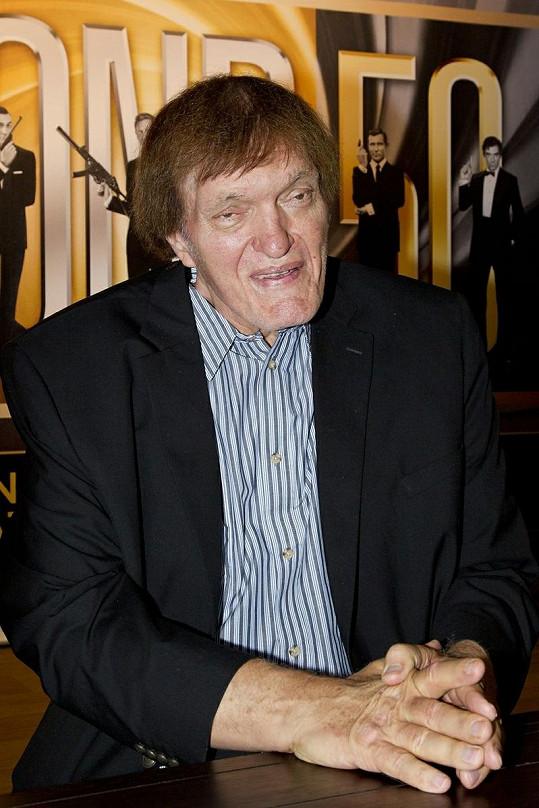 Kiel, známý z bondovek jako Čelisti, představil speciální edici této série na Blu-Ray.