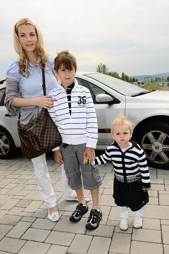 Rosnička Karla Mráčková s dětmi