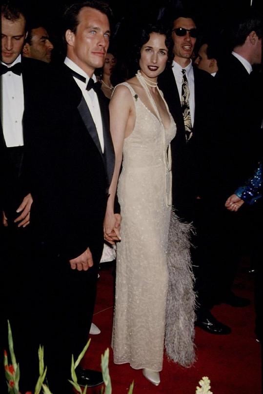 MacDowell a Paul Qualley mají celkem tři děti. Snímek je ze slavnostního předávání Oscarů v roce 1993.