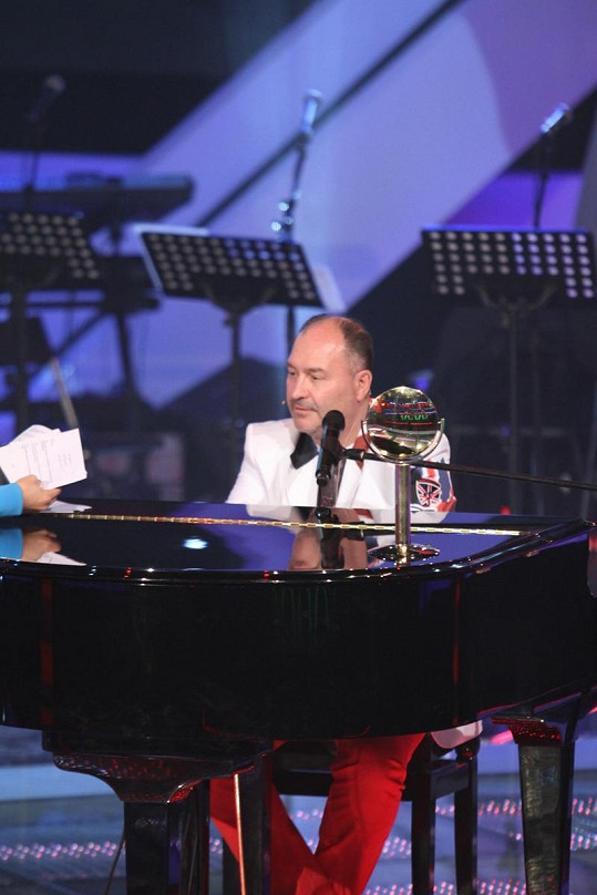 V neděli Michal a Bruno zazpívají v Hlase duet Don´t Let The Sun Go Down on me britských zpěváků George Michaela a Eltona Johna.